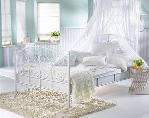 himmelbett entspannt schlafen wie im m rchen. Black Bedroom Furniture Sets. Home Design Ideas
